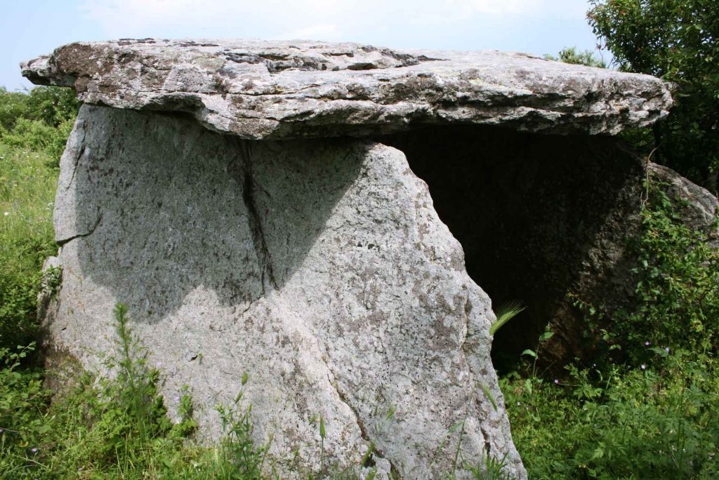 Dolmenler - Kalpaklıkaya Mezarları